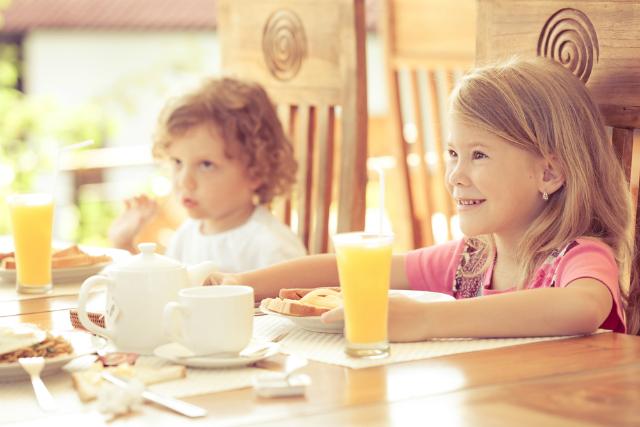 educacao-alimentar--passo-a-passo-para-ensinar-seu-filho-a-comer-bem4523
