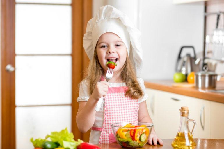educacao_nutricional_infantil_como_lidar_com_agitacao_a_mesa.jpg.jpeg